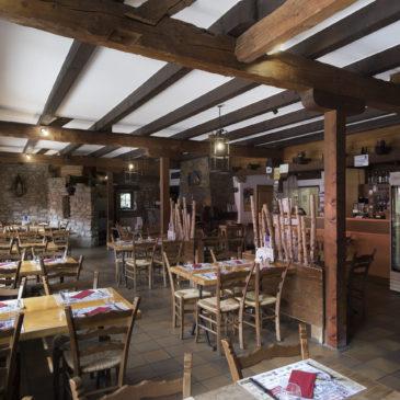 Restaurant ouvert intérieur et extérieur!
